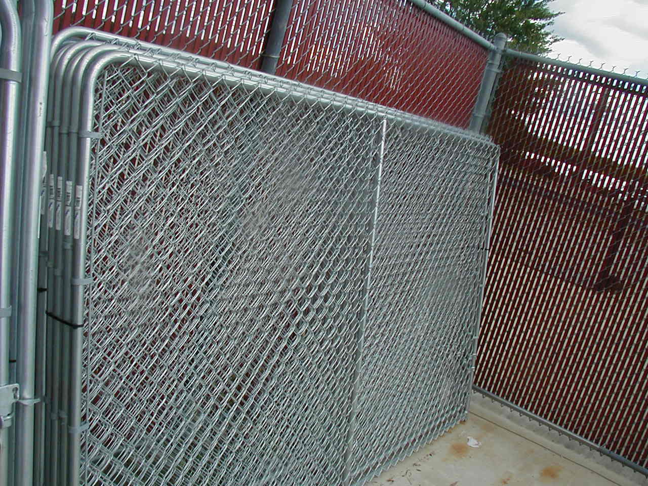 Dog Kennels By Discount Fence