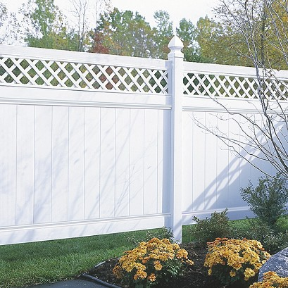Chesterfield Vinyl Fence With Lattice Accent By Bufftech